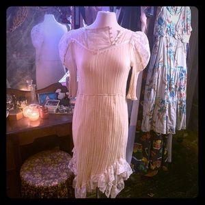 🥚Pearl White Pretty Dress Vintage Cotton & Lace🥚